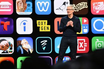 Lần đầu tiên App Store cung cấp tùy chọn xếp hạng ứng dụng của Apple REUTERS